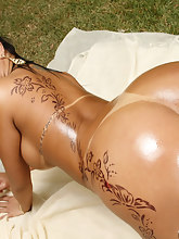 MikeInBrazil ™ presents Nanda Paiva in Getting It In