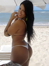 Thousands of hot phat rumps longing you. Photo of tight butt gals and great culo babes