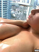 Soaked booty Big Tits Gianna Works Out That Soaked Pussy!