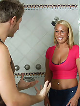 Melanie Monroe Shower Power Monstercurves