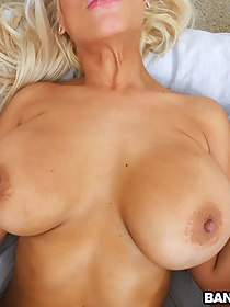 Bridgette B is the busty MILF we all wanna have